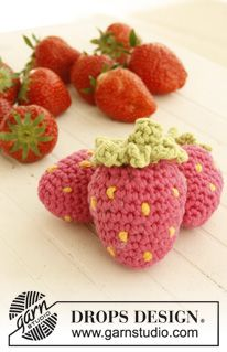"Tutti frutti - Crochet DROPS fruit and vegetables with basket in ""Paris"". - Free pattern by DROPS Design"
