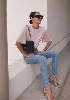 Musa do estilo: Pepamack - Guita Moda New Outfits, Casual Outfits, Fashion Outfits, Daily Fashion, Everyday Fashion, Trench Coats, Jennifer Lopez, Estilo Jeans, Chic Fashionista