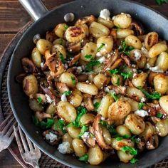 Pilze sorgen für ordentlich Abwechslung auf dem Speiseplan. Wir haben für alle Pilzliebhaber die geschmackvollsten Gerichte der Saison zusammengestellt...