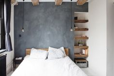 In the world of new rustic-modern interiors, reclaimed is no longer a bad word. This minimal bedroom shows how the evolution of shabby-chic isn't shabby at all. The salvaged built-in shelves. Room Interior Colour, Room Interior Design, Modern Rustic Homes, Rustic Home Design, Interior Design And Construction, Minimal Bedroom, Turbulence Deco, Rustic Interiors, Modern Interiors