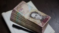 Oficializan el decreto de prórroga del billete de Bs. 100 hasta el 20 de noviembre