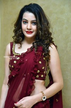 Indian Sarees, Silk Sarees, Kriti Sanon Saree, Maroon Saree, Indian Fashion, Women's Fashion, Indian Wife, Saree Photoshoot, Top Celebrities