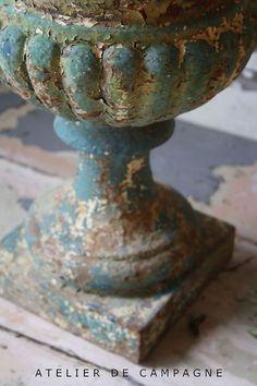 Via Sue Russel   (via Pin by greywren on urns & garden items | Pinterest)