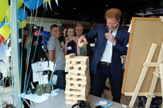 "Kensington Palace on Twitter: ""Prince Harry plays mental health jenga @YoungMindsUK #HeadsTogether"
