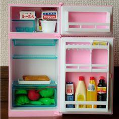 雑貨屋 Capriccio.to / ユカちゃんのクールクール冷凍冷蔵庫 (全高16cm ミニチュアおままごとおもちゃ)