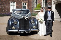 A Trendy Spring Wedding at Fulham Palace – Emma and Michael