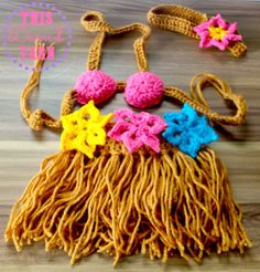 Crochet the perfect #summer photo prop for your little newborn with this **FREE** pattern of a little hula outfit! Have a trip to #Hawaii, make this little outfit for your little one to wear on the #beach! How adorable would your little hula girl be in this outfit?
