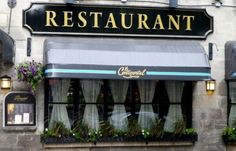 Le Continental: Lovely but Expensive Restaurant in Old Quebec City.