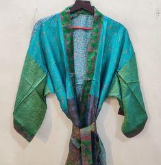 Silk Kimono Robe, Kimono Dress, Indian Silk Sarees, Maxi Gowns, Bridesmaid Robes, Bridal Robes, Vintage Kimono, Green Silk, Dance Costumes