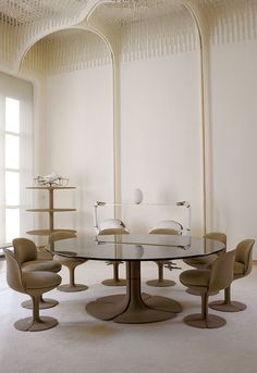 Dining Room by Pierre Paulin inside Palais De Lelysee Contemporary Interior Design, Home Interior Design, Interior Architecture, Interior Decorating, Interior Designing, Decorating Games, Diy Interior, Contemporary Furniture, Pierre Paulin