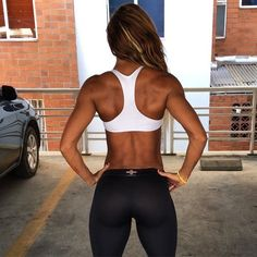 That beautiful toned back and arms ❤️