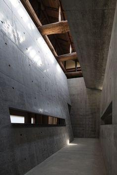 Interior : Ando Museum, Naoshima Japan   Tadao Ando