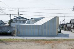 House in Nagahama / comma design office