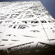 #expo2015 #milan #italy #milano #italia #worldsfair #milanoaplacetobe #italypavilion #padiglioneitalia #palazzoitalia #italianpavilion #design #architecture