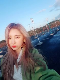 Find images and videos about kpop, izone and chaeyeon on We Heart It - the app to get lost in what you love. Eyes On Me, Yongin, Japanese Girl Group, Kim Min, Extended Play, The Wiz, K Idols, Me As A Girlfriend, Korean Girl Groups