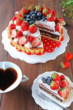 Normal people scare me Fancy Desserts, Sweet Desserts, Sweet Recipes, Delicious Desserts, Dessert Recipes, Yummy Food, Strawberry Cakes, Aesthetic Food, Cute Food