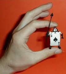 """Résultat de recherche d'images pour """"miniature alice in wonderland figures clay"""""""