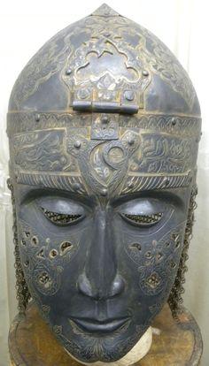Turkish Ottoman helmet with calligraphic decoration. Warrior Helmet, Helmet Armor, Arm Armor, Ancient Armor, Medieval Armor, Teheran, Vintage Helmet, Helmet Design, Ottoman Empire