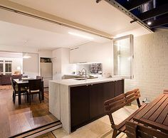 indoor and outdoor kitchen - space maximiser danny-broe-architect | Paddington Terrace