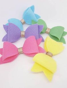 20 Pretty And Easy Ideas to Wear Butterfly Hair Clips Felt Hair Bows, Diy Hair Bows, Bow Hair Clips, Dog Bows, Baby Bows, Baby Girl Hair Accessories, Handmade Hair Bows, Butterfly Hair, Boutique Hair Bows