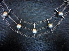 Le collier Hiver. Pièce unique. Or blanc, perles de Tahiti et diamants. Joaillerie de Création.