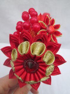 Red headbandTsumami kanzashi flower por RibbonAndCrystals en Etsy