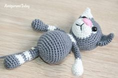 Toby the Cat amigurumi pattern - assembly