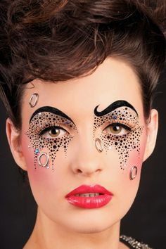 Love this crazy look. Almost like circus makeup. | Mug It!