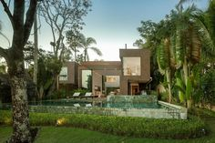 ArchiAdore.com – Optimal Indoor-Outdoor Fusion Achieved by Modern Architecture Project in Brazil http://archiadore.com/optimal-indoor-outdoor-fusion-achieved-by-modern-architecture-project-in-brazil/