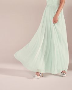 f6711a5ff Love the way this dress moves Pleated maxi dress - Light Green