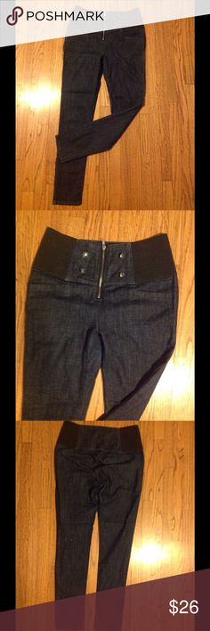 On trend high waisted jeans Has wide elastic sides for perfect fit. Awesome like new condition. Jeans Skinny