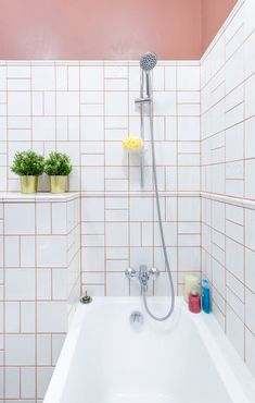 Women's Bathroom: Incredible and Creative Decor Ideas - Home Fashion Trend Coloured Grout, Grout Color, Grey And Cream Wallpaper, Neutral Bathroom Decor, Geometric Shapes Wallpaper, Bathroom Design Inspiration, Matching Wallpaper, Bathroom Decor, Bathroom Wallpaper