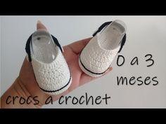 How to Crochet Cuffed Baby Booties - Crochet Ideas Crochet Baby Booties Tutorial, Crochet Baby Boots, Crochet Baby Sandals, Crochet Bebe, Crochet Baby Clothes, Crochet For Boys, Crochet Shoes, Crochet Slippers, Crochet Granny