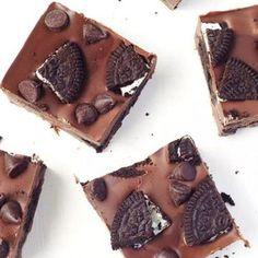 Σοκολατένιο γλυκό ψυγείου με 3 υλικά Food And Drink, Sweets, Sugar, Cookies, Chocolate, Desserts, Sweet Pastries, Crack Crackers, Postres