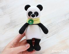 Cuddle Me Panda amigurumi pattern