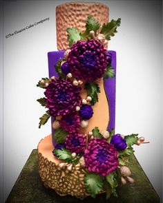 Autum Mums Fantasy wedding by The Elusive Cake Company