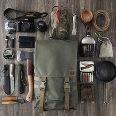 Top bushcraft techniques that all survival fanatics will certainly want to know today. This is most important for bushcraft survival and will definitely save your life. Bushcraft Backpack, Bushcraft Skills, Bushcraft Gear, Bushcraft Camping, Camping Survival, Outdoor Survival, Survival Gear, Survival Skills, Camping Gear