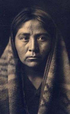 Navaho Matron, 1904 by Edward S. Curtis. We have created this collection to serve as an easy to access educational tool. Contact curator@old-picture.com.