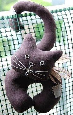 Faire un chat en tissu, coudre un chat en tissu, découvrez les tutoriels créations.