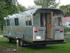 "I like the ""back porch"" Vintage Travel Trailers, Vintage Caravans, Vintage Rv, Vintage Airstream, Camper Trailers, Camper Caravan, Camper Van, Retro Trailers, Tiny Trailers"