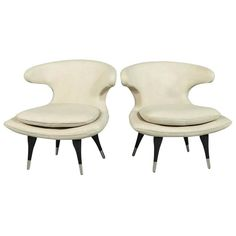 Pair of Cream Leather Retro Style Lounge Chairs | 1stdibs.com