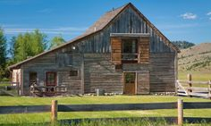 Rezoned and repurposed: 19th century Montana barn converted to living quarters