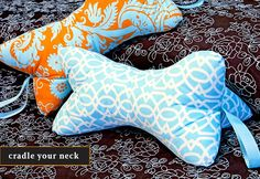 bowtie pillows; we have one already, but on trips each of us wants to be the one with it. It's great that someone knows how to make it - it will be on my to do list! Neck Pillow Travel, Neck Roll Pillow, Support Pillows, Neck Support Pillow, Sewing Pillows, Tie Pillows, Neck Bones, Bone Crafts, Pillow Tutorial