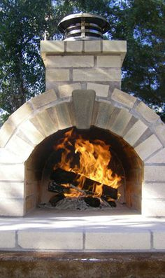 Four à pizza bois : Do It Yourself Large Foam Pizza Oven Form Kit Pizza Oven Kits, Diy Pizza Oven, Pizza Oven Outdoor, Pizza Ovens, Oven Diy, Wood Fired Oven, Wood Fired Pizza, Bricks Pizza, Oven Design