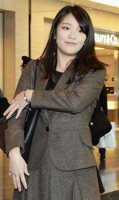 留学先の英国に戻るため、日本をたたれる眞子さま=平成27年1月、羽田空港