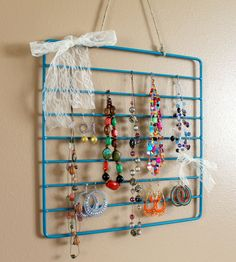 DIY: oven rack to jewelry organizer