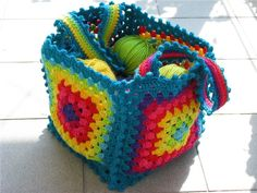 Crocheted yarn holder - Gorgeous!