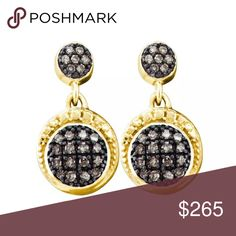 10k Yellow Gold Natural 💎 Stud Earrings 10k Yellow Gold Round Pave-set Natural Diamond Womens Dangle Screwback Stud Earrings  Product Specification Gold Purity & Color10kt Yellow Gold Diamond Carat1/4 Ct.t.w. Diamond Clarity / ColorI2-I3 / Brown Length17 mm ( .67 inches ) Width10 mm ( .39 inches ) Gram Weight2.04 grams (approx.) StyleDangles Item Number48967 Jewelry Earrings