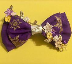 Bridesmaid bow! #treatbowself #disneywedding #wedding #tangled #rapunzel #weddingideas #etsy #etsyshop #etsyseller #disney #shopsmall #magicalmakers
