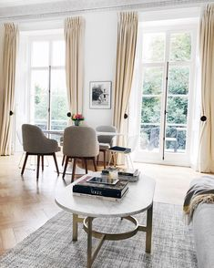 Mimi Ikonn, Home Decor, Mimi Ikonn House, Mimi Ikonn Home, Mimi Ikonn Interior Design, Minimalism, Simplicity, London Town House.